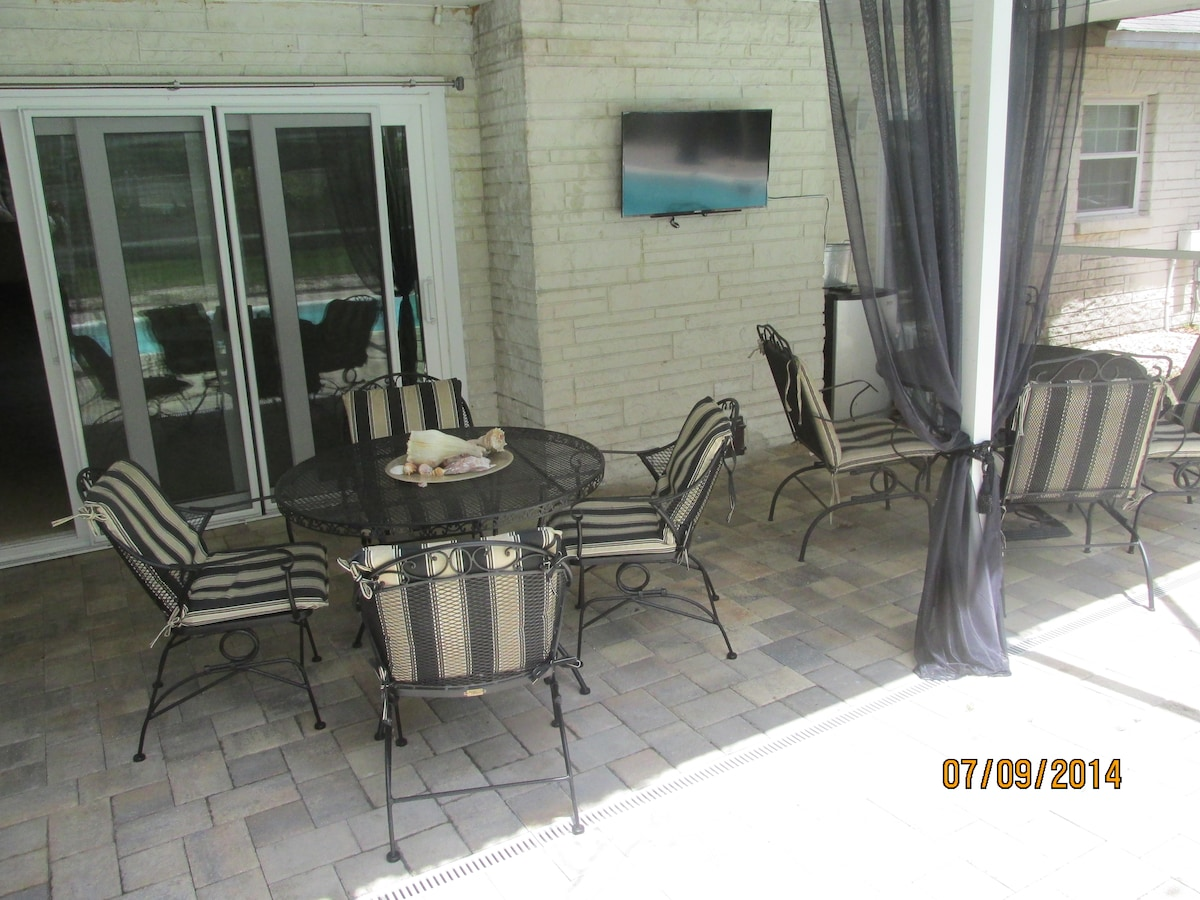 Spacious Patio for Breakfast, Yoga, Lounging, Wine Tasting with Flat Screen TV and Seating