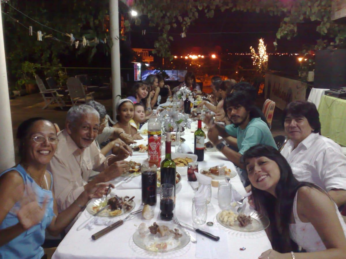 El quincho, ideal para reuniones (de uso comun) con cocina disponible