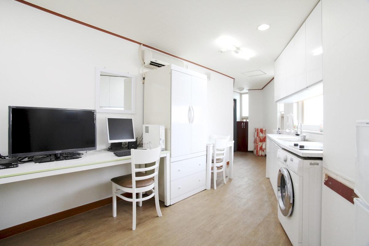 Cozy flat nearby Metro & E-Mart
