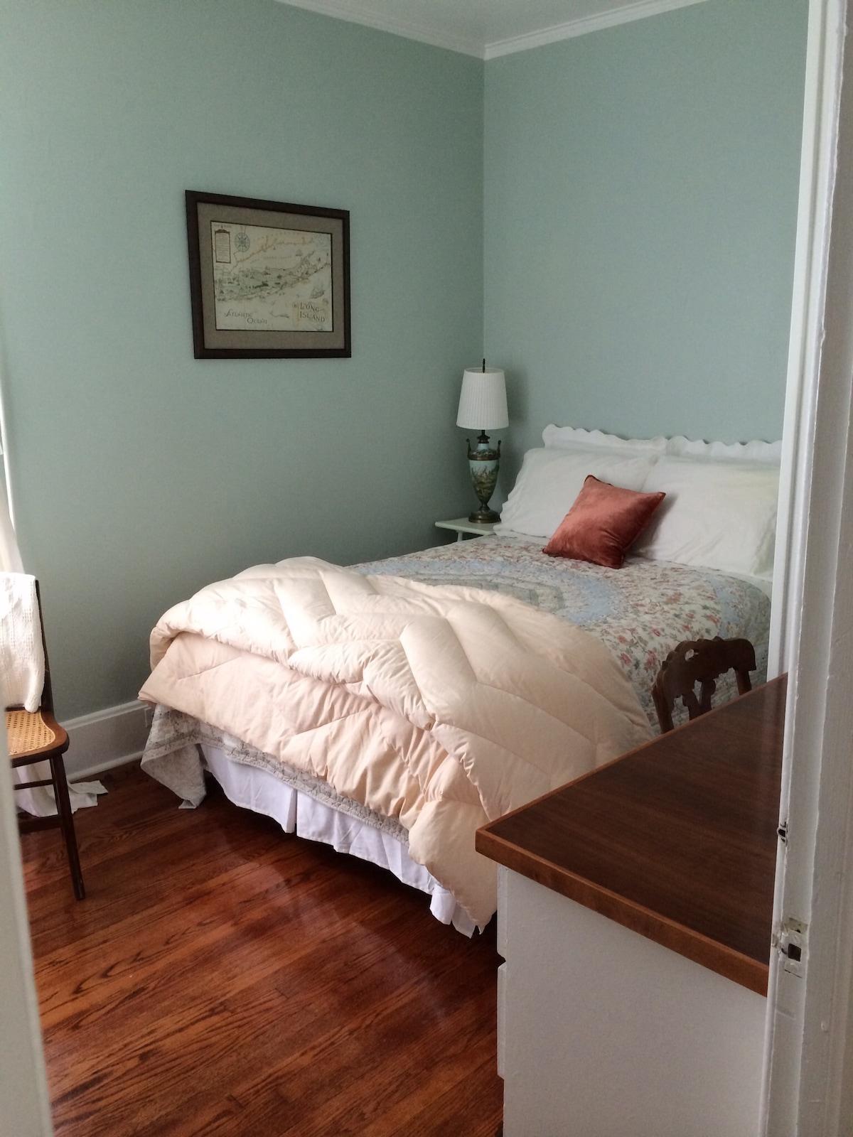 Bedroom picture # 2