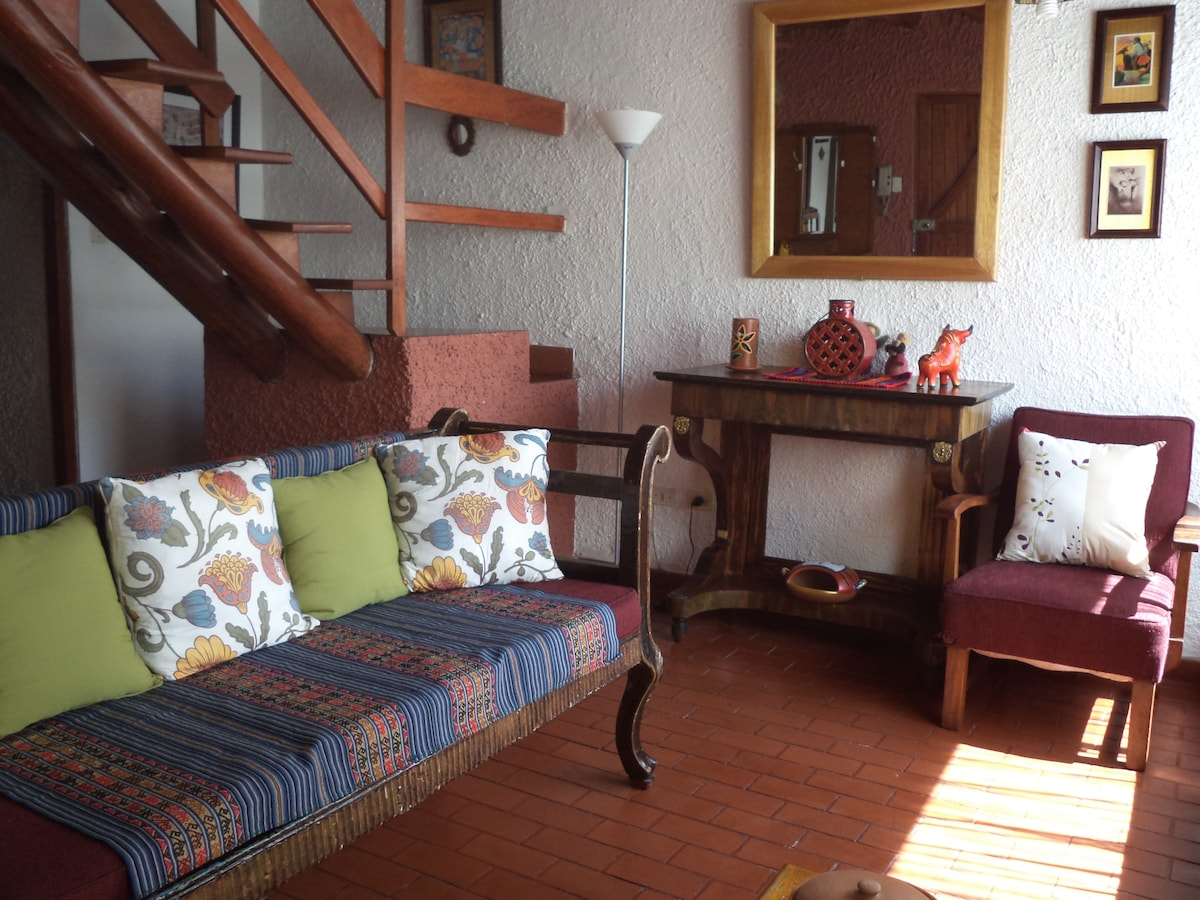 #1 FURNISHED 2 BR 2 BATHS COTTAGE
