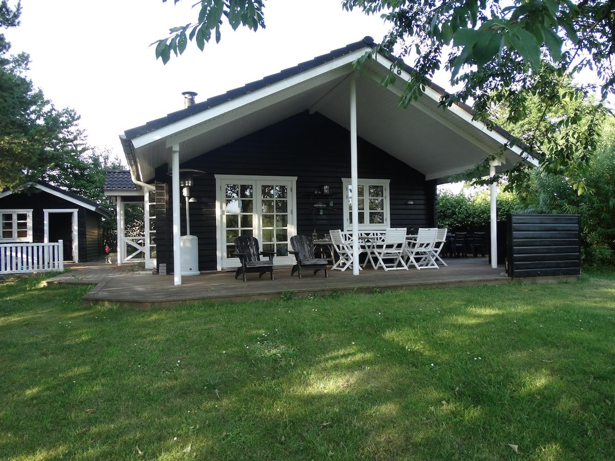 Made in Denmark - nice summer house