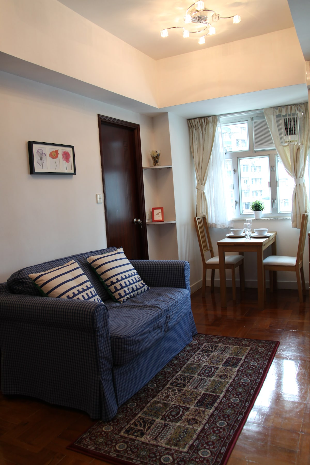 Warm & Cozy Home in Causeway Bay