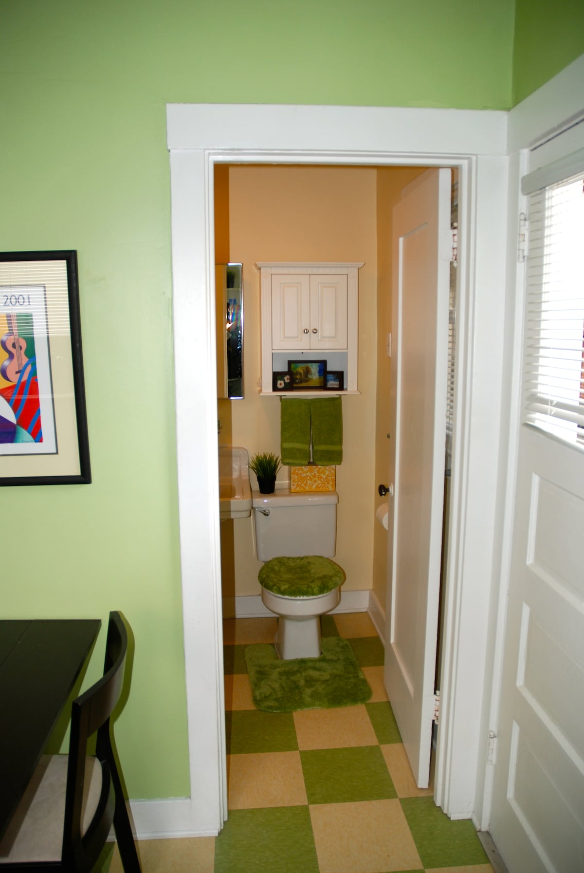 Towels, shampoo and conditioner and hair dryer are included in the  Full bath off the kitchen...
