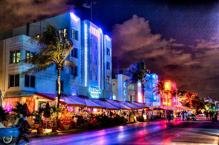 Famous Ocean Drive, South Beach, Miami Beach, Nightlife!