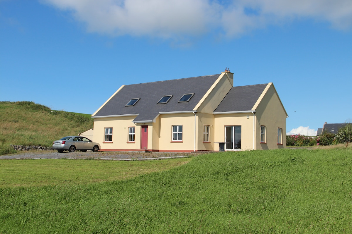 Spacious and bright 4 bed in Doolin