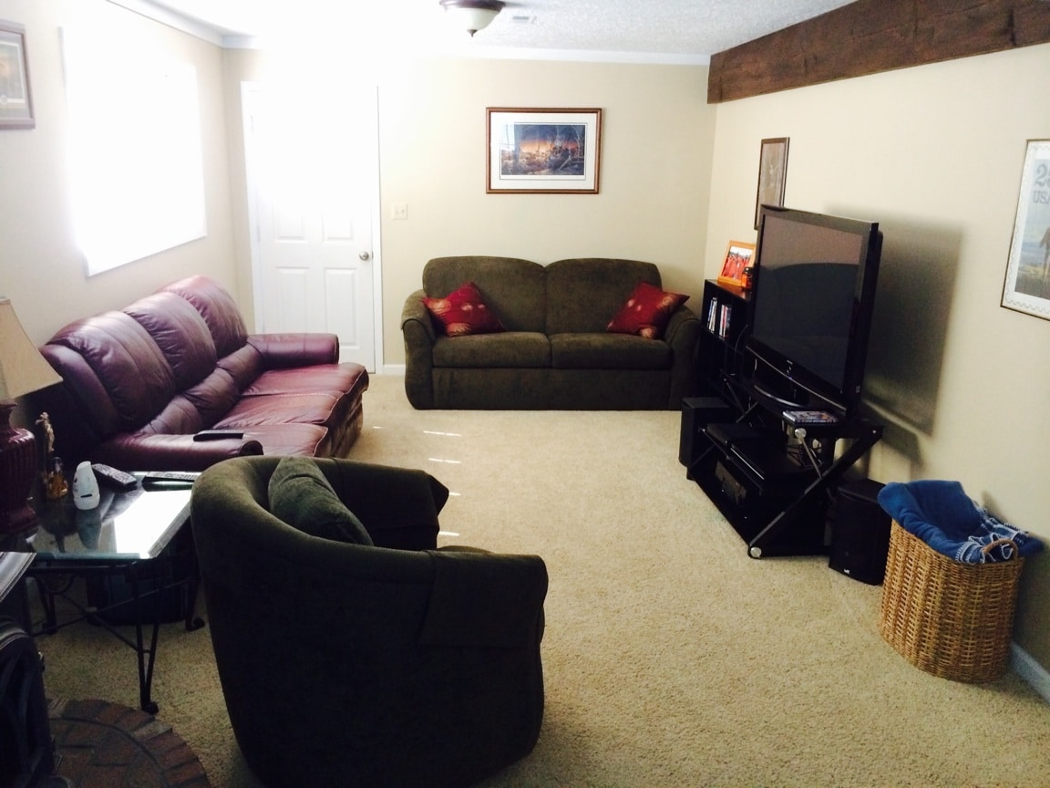 Comfortable Basement/ Warm and cozy