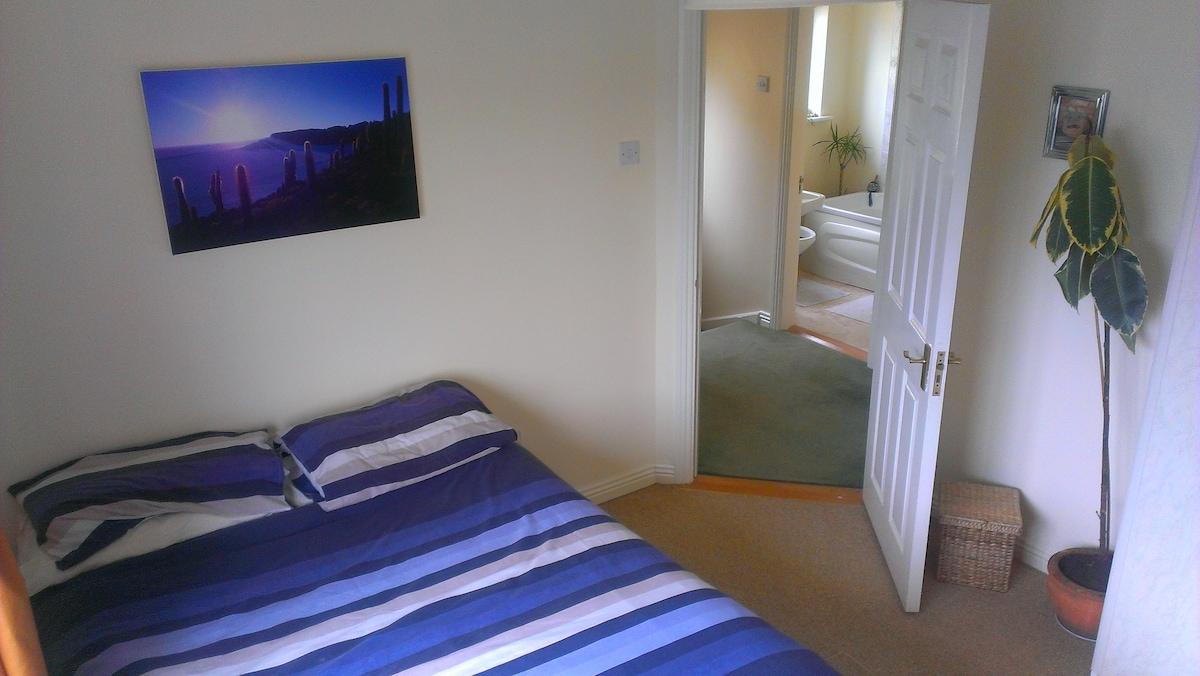 Comfortable Double Bedroom - Galway