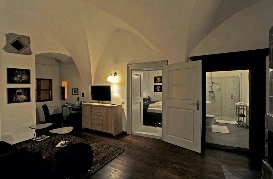#2 Gavalier Design Room