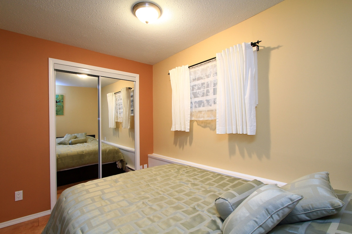 Bright main bedroom