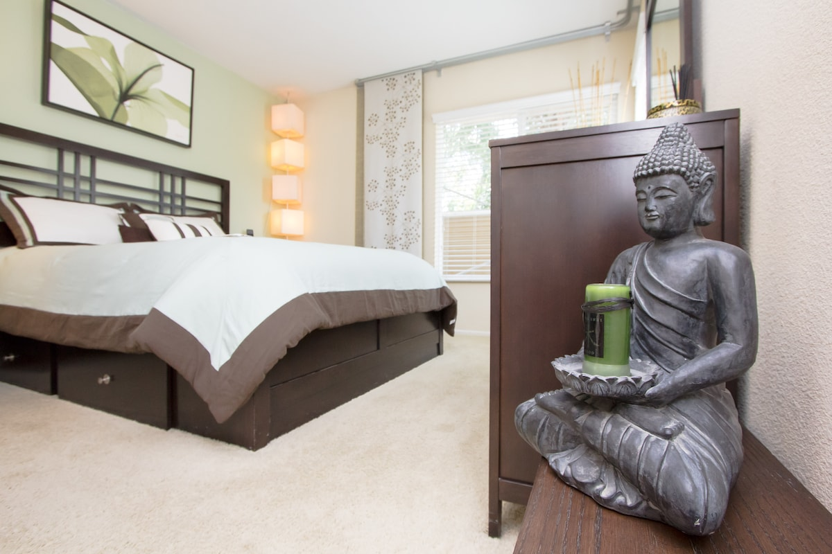 """The Asian inspired decor will help you relax and feel a sense of zen when you return """"home"""" after your day out and about in LA."""