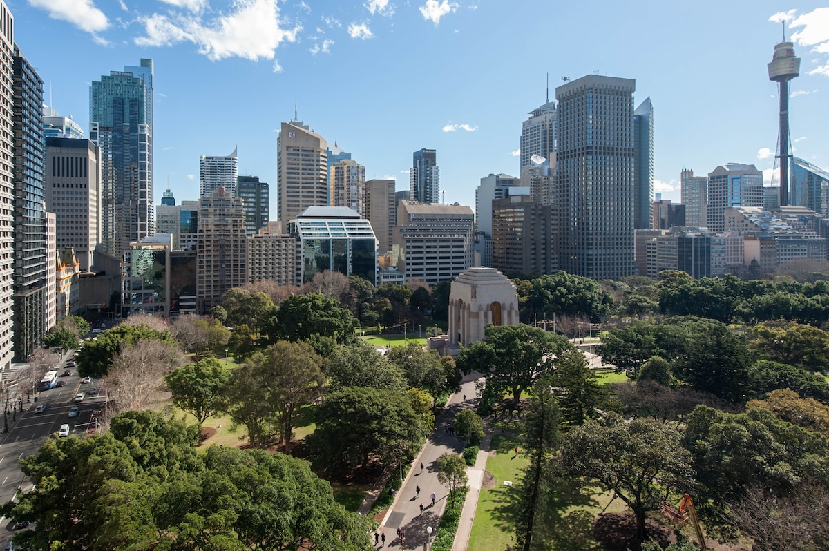 Probably one of the most enjoyable locations in Sydney City.  Actual Hyde Park view from the Apartment is shown.