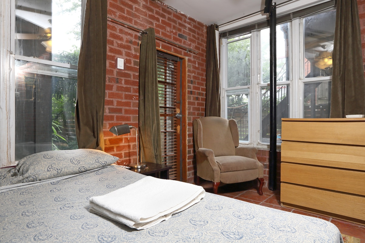 Bedroom with Garden at the Back