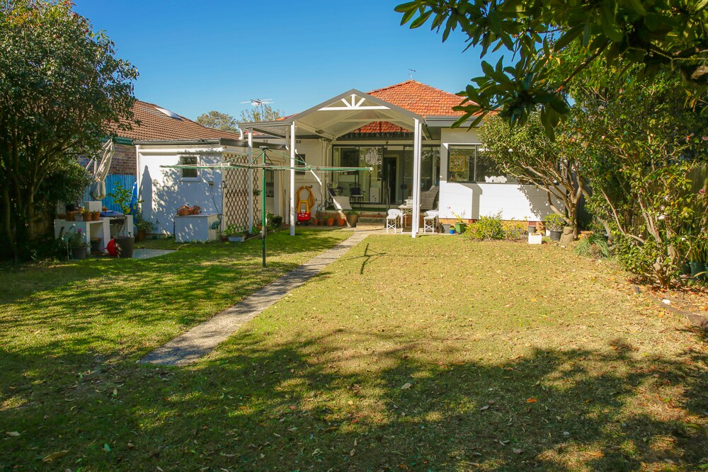 3 bed Family home with big garden