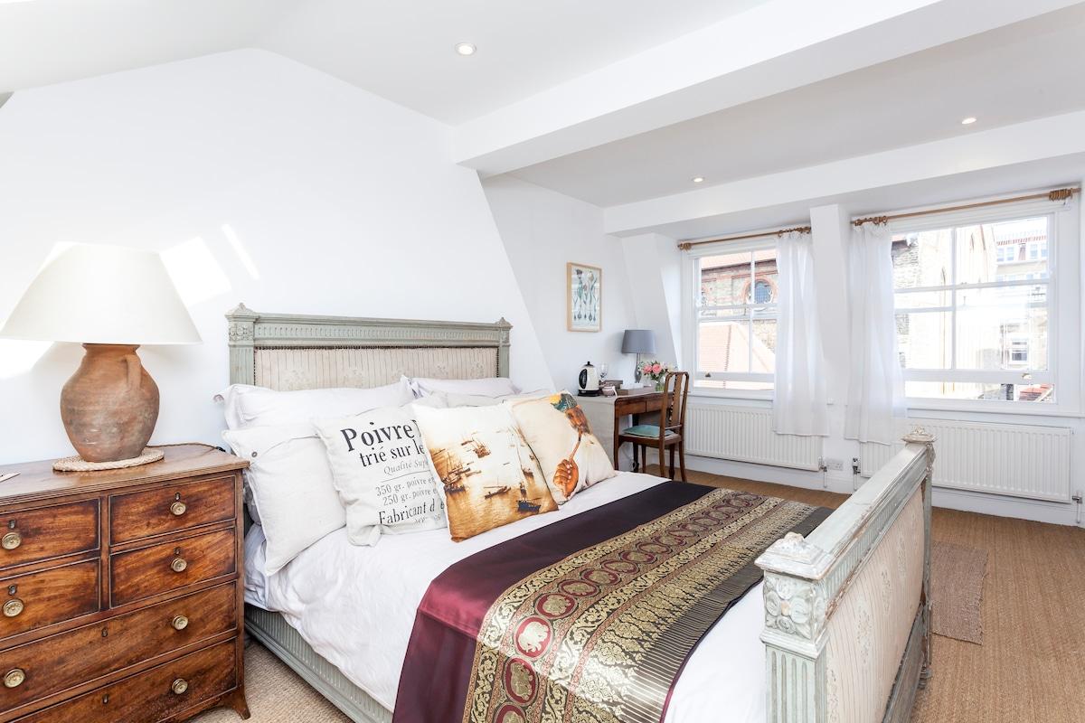 Large bright Double En-Suite room