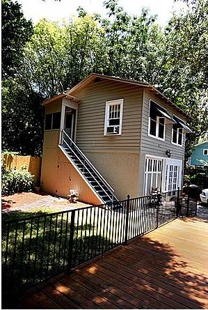 The Carriage House has a quaint studio apartment on the 2nd floor.