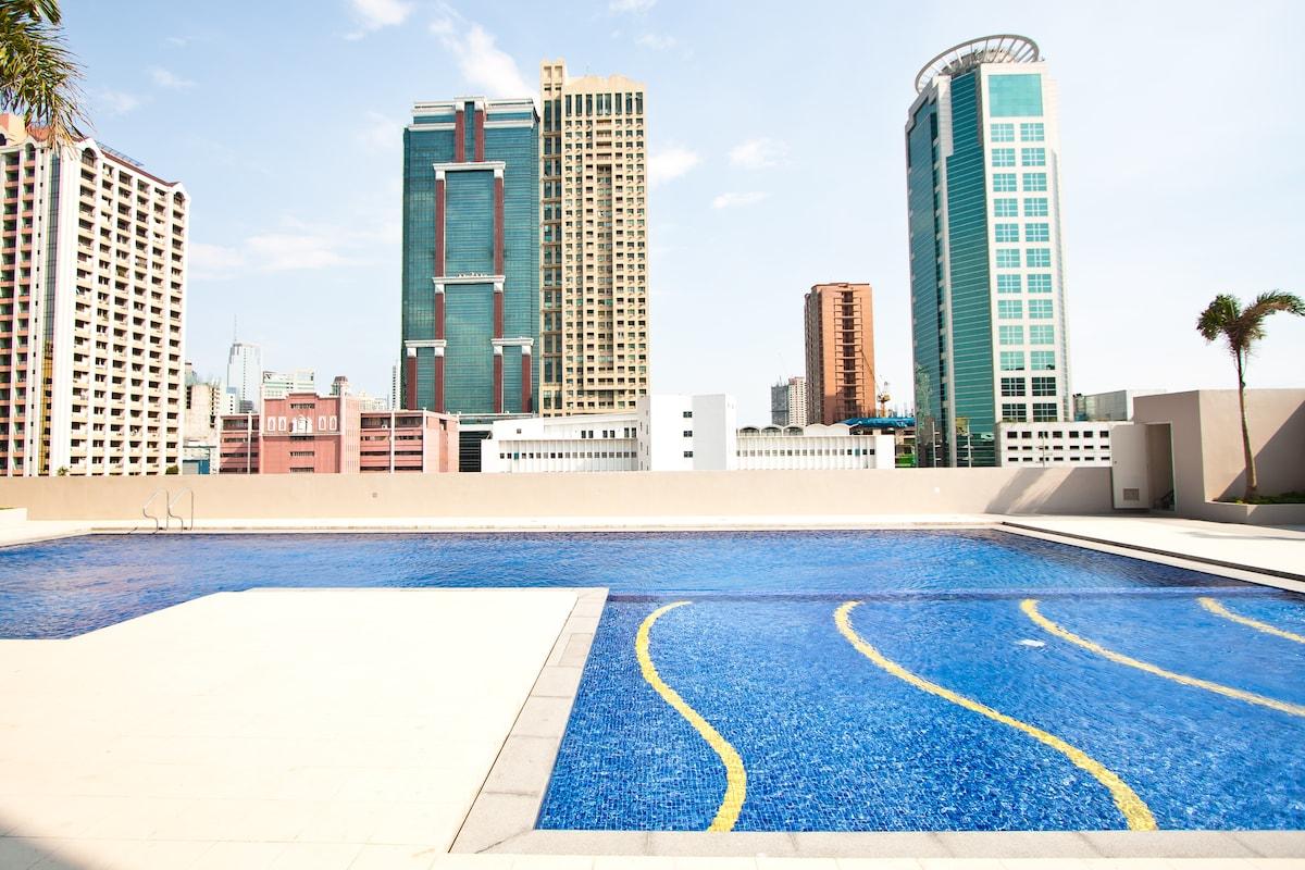 Very nice lap swimming pool with kiddie pool on the amenities floor