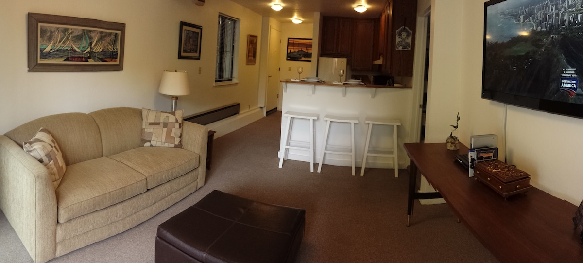 Amazing 1 Bedroom  Guest Quarters
