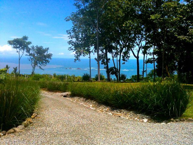 Ocean, Mountain and Jungle views await you!