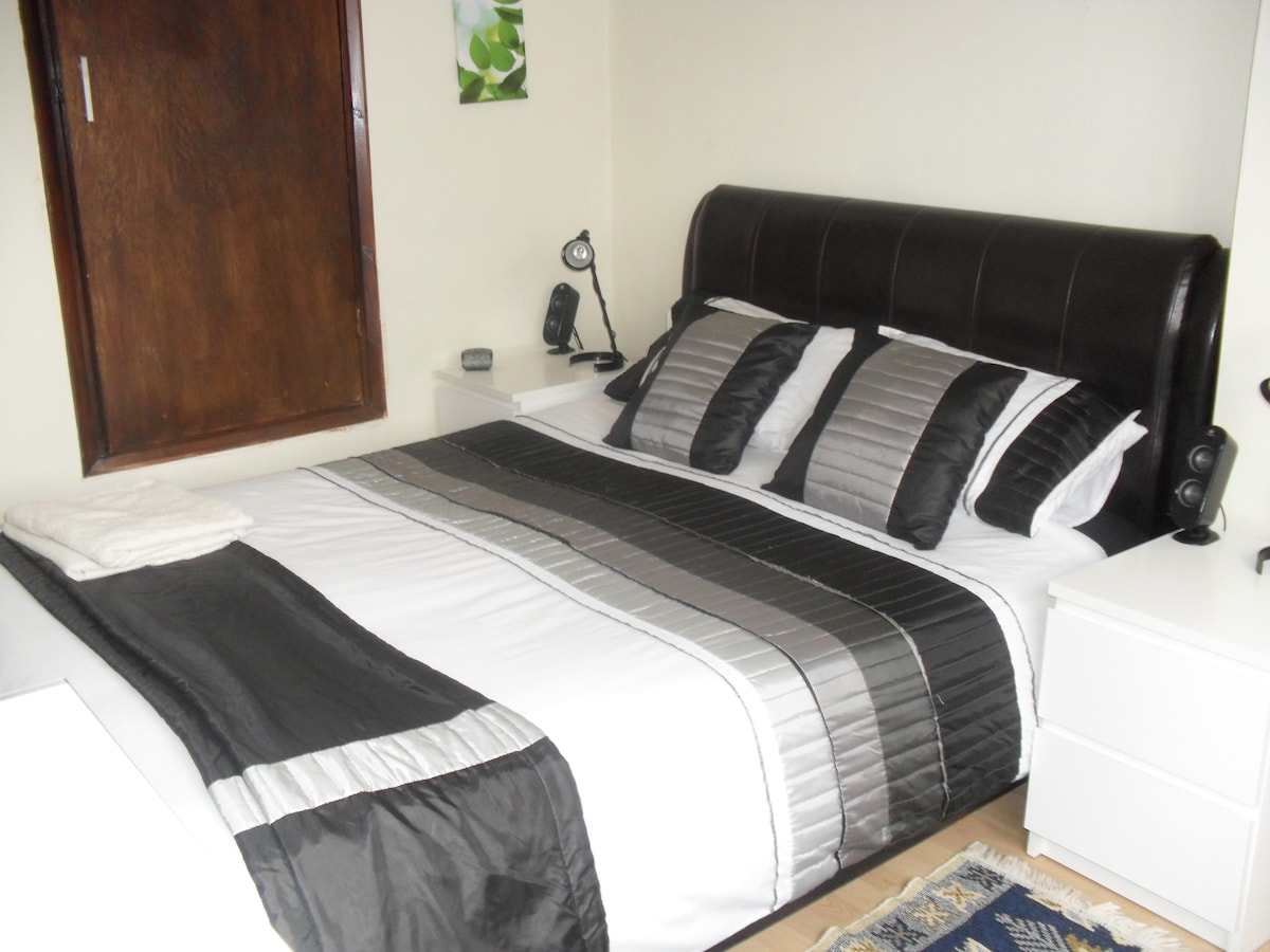 Great Double Rooms In London City
