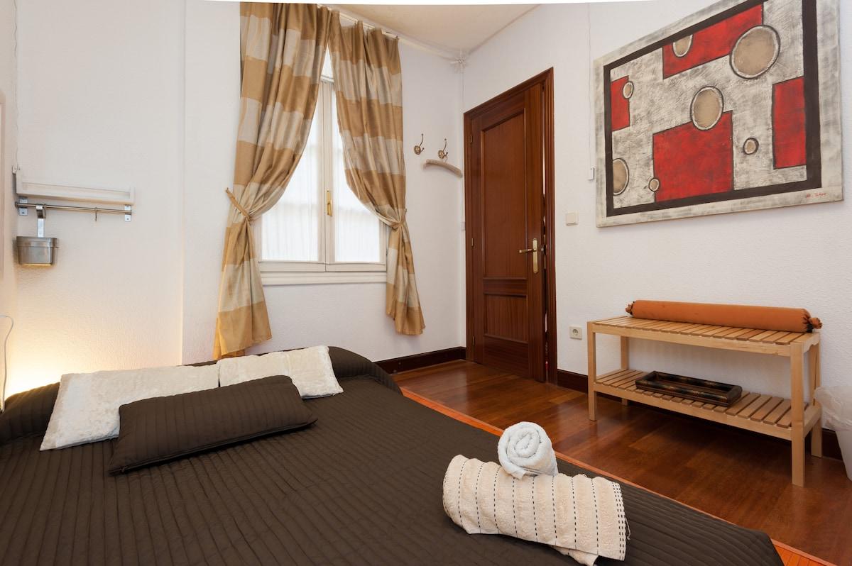Room with futon in Casco Viejo.