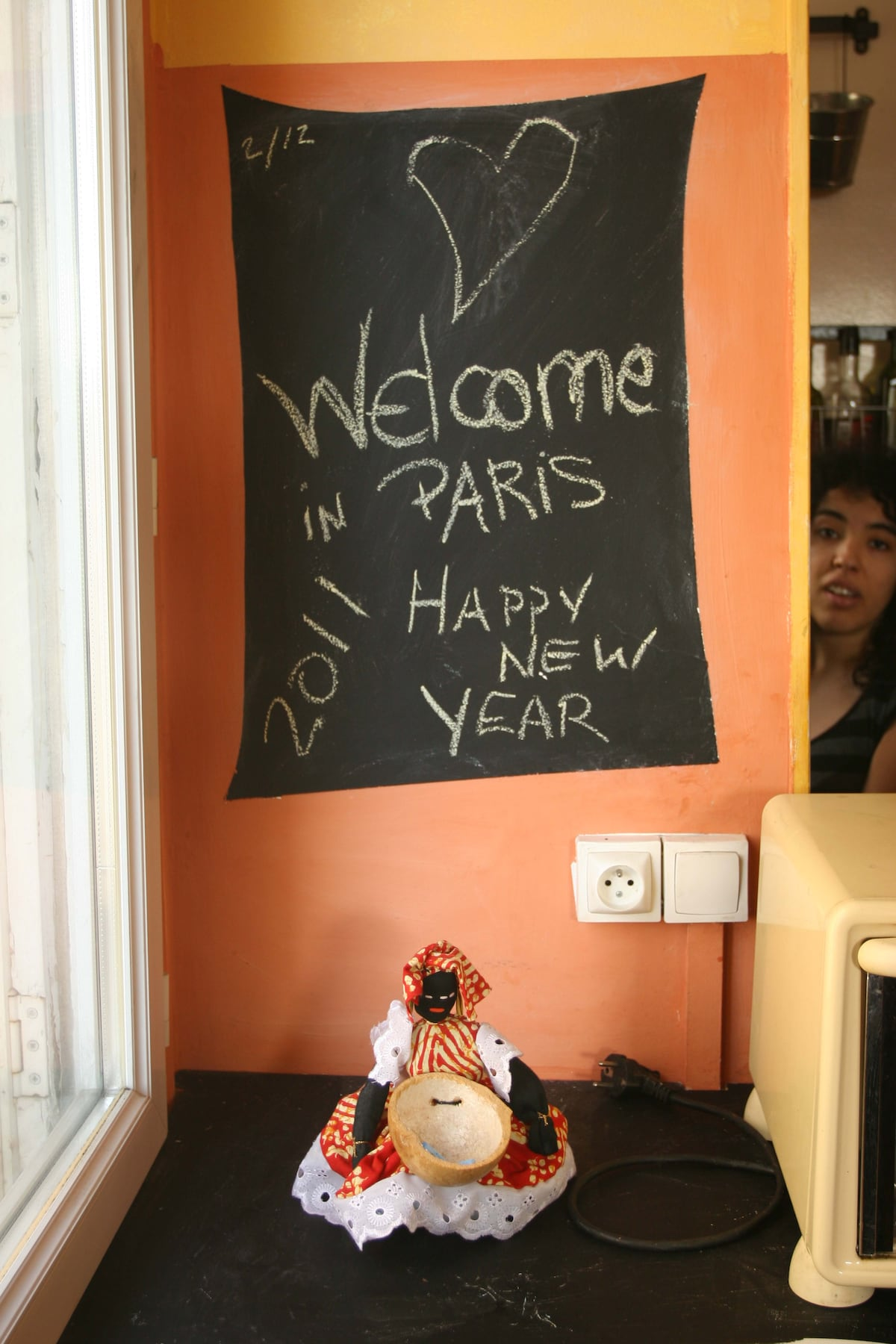 WELCOME TO YOUR WARM PARISIAN HOME