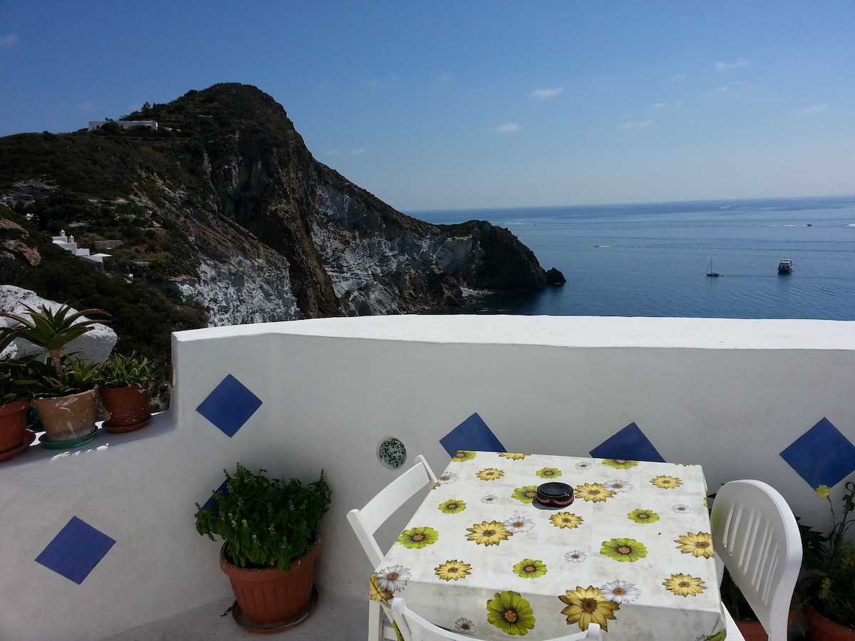 Studio flat  with sea view Ponza
