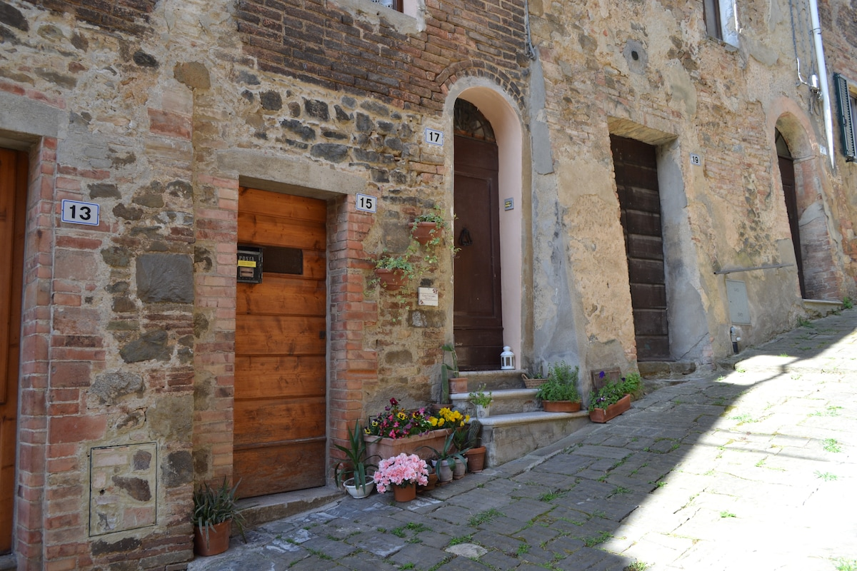 Rustic home in the heart of Montalc