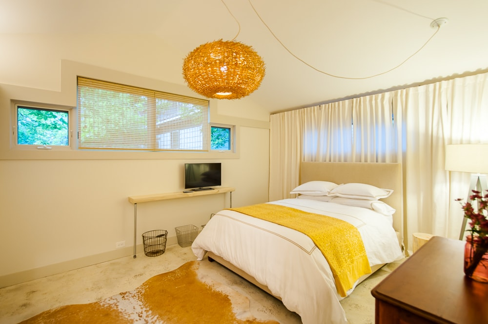 Boutique Eco Hideaway- Willy Street
