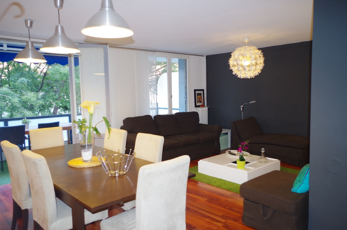SPACIOUS LIVING-ROOM (32M2) - SPACIEUX SEJOUR