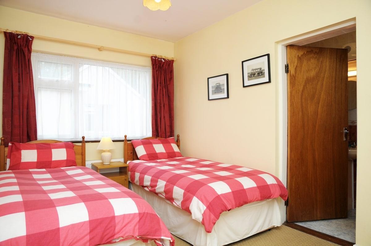 Twin Room En-Suite