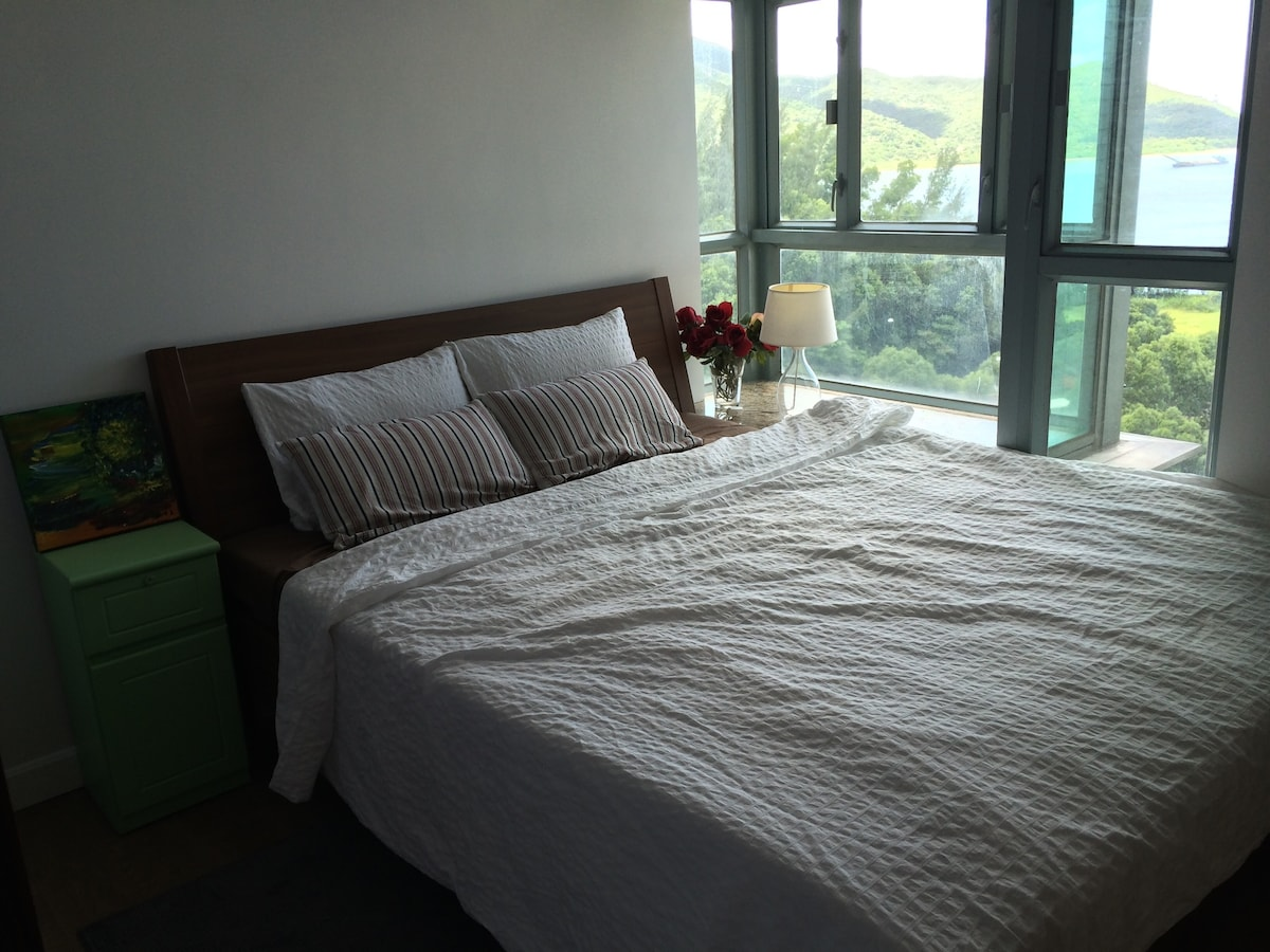 Private bedroom with great Tung Chung view