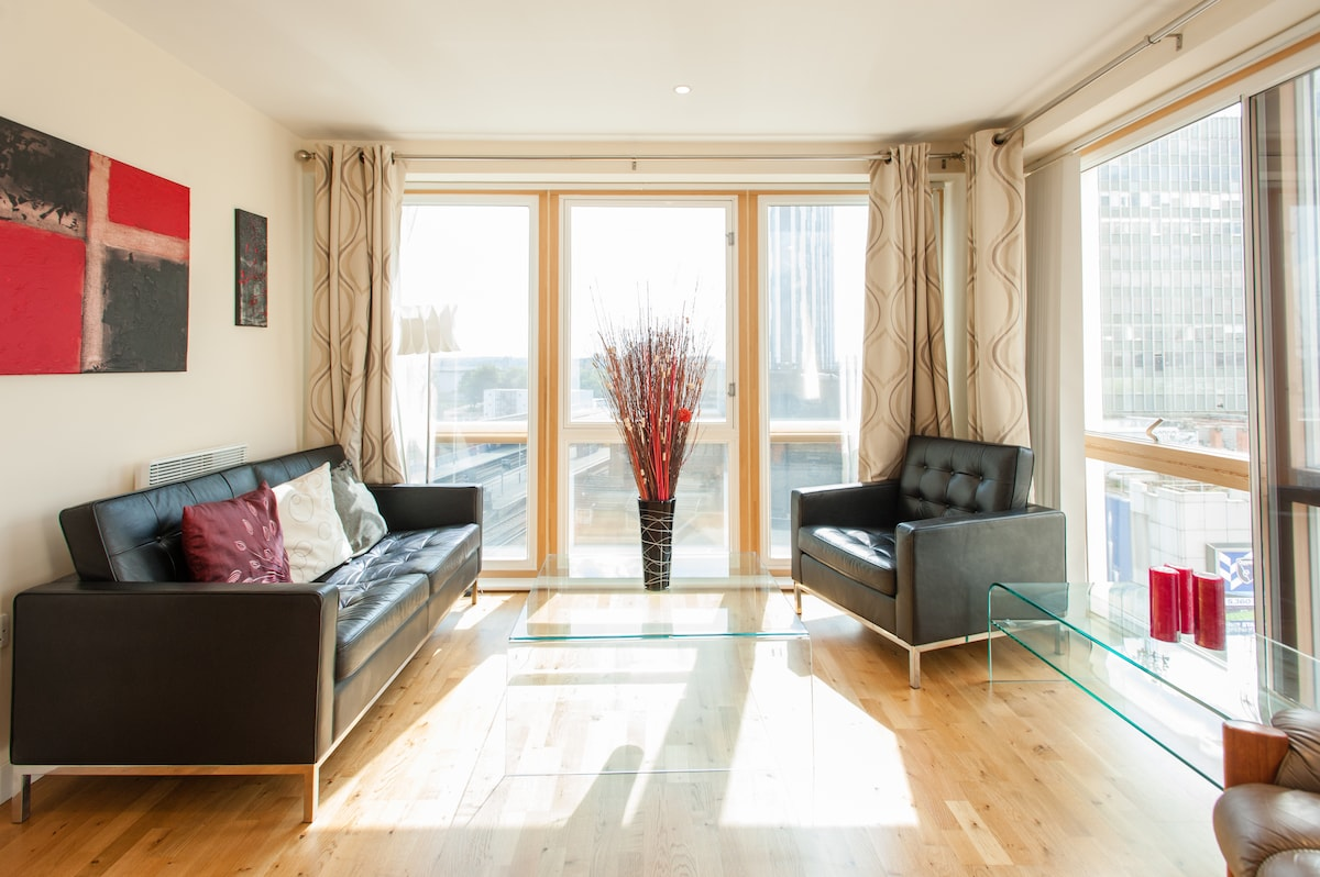 central 2 bed sleeps 4 with pool