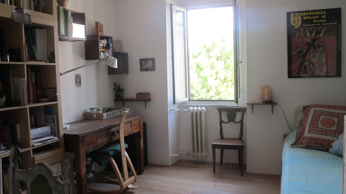 A room with a -green- view, Pigneto