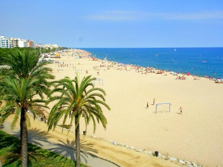 Private Beach Apartment in Calella!