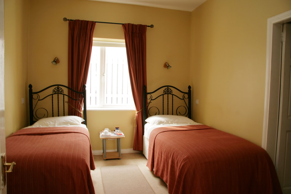 Twin bedroom No.4 - 2 single beds + wardrobe and shower ensuite