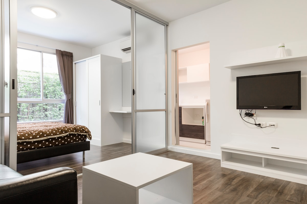 Comfy Lovely 1BR nr BTS + FreeWIFI