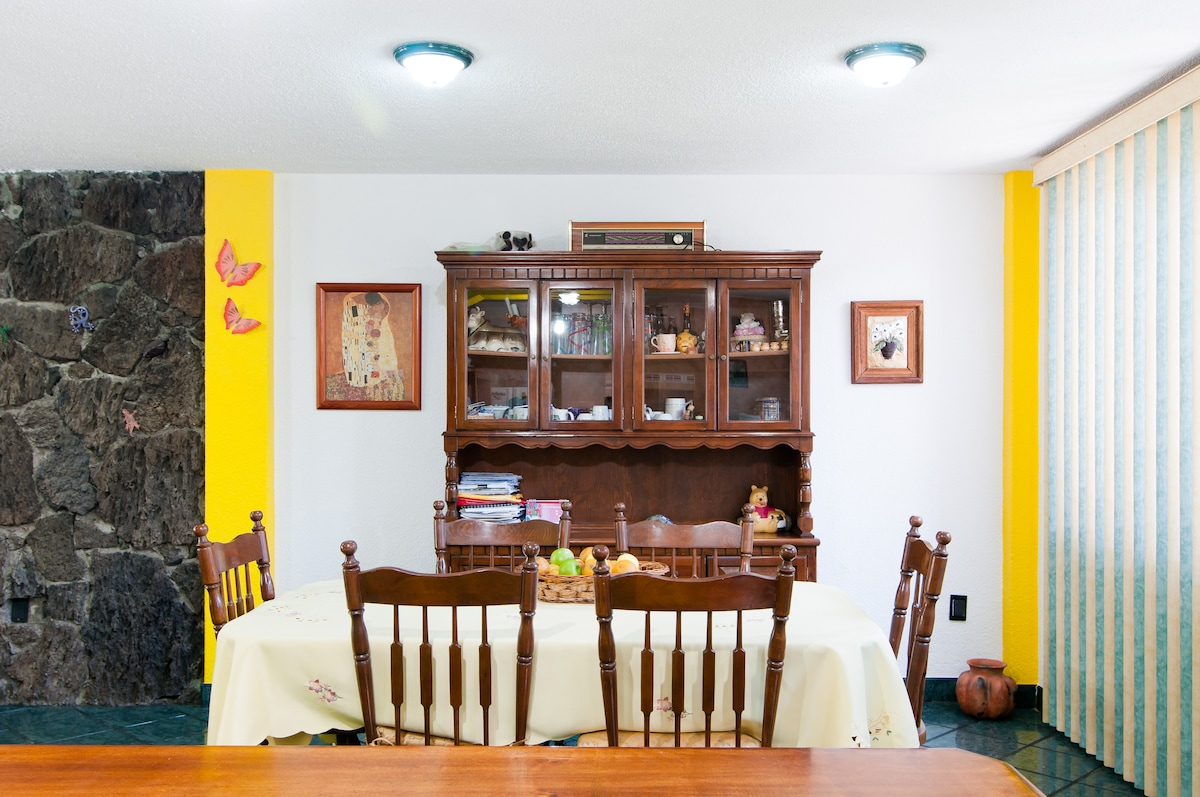 different side of the dining room