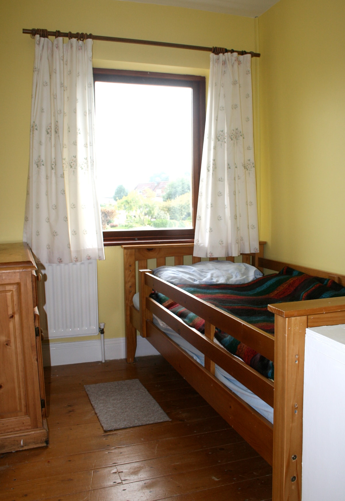 Cosy single room with parking