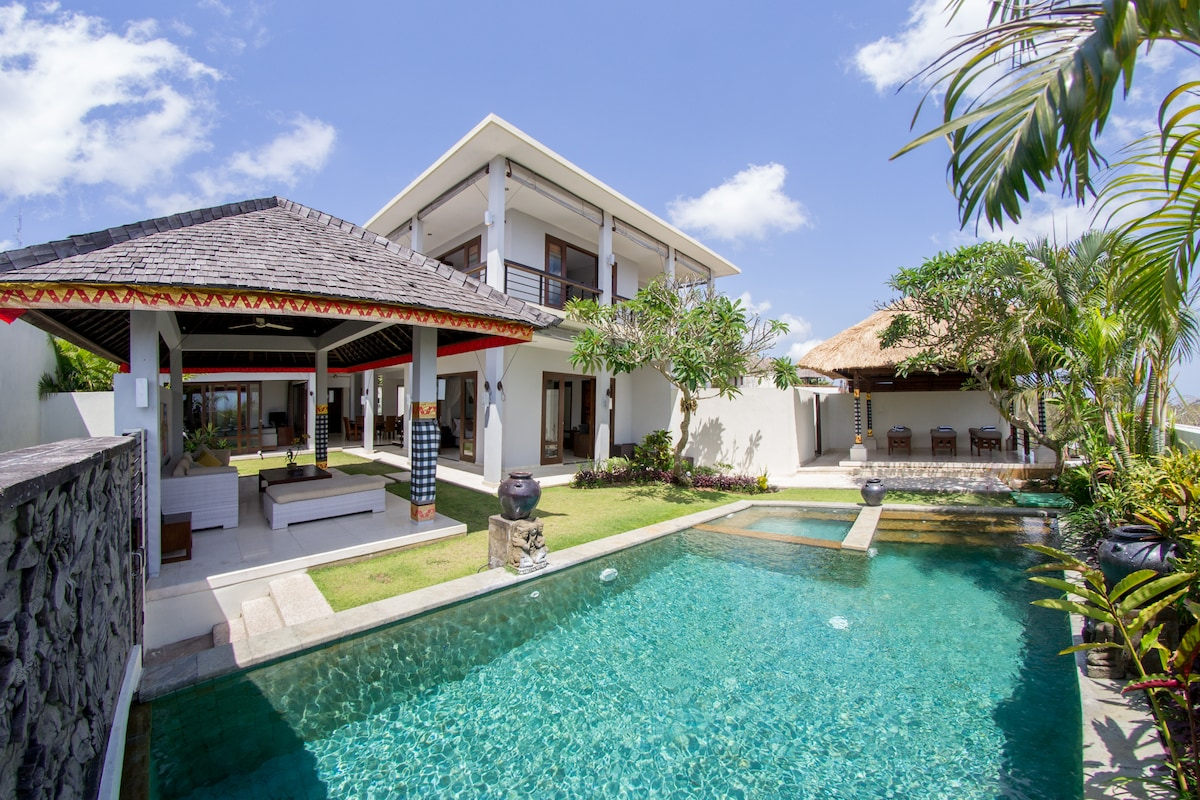 Private 3 BR Villa with 50m pool!