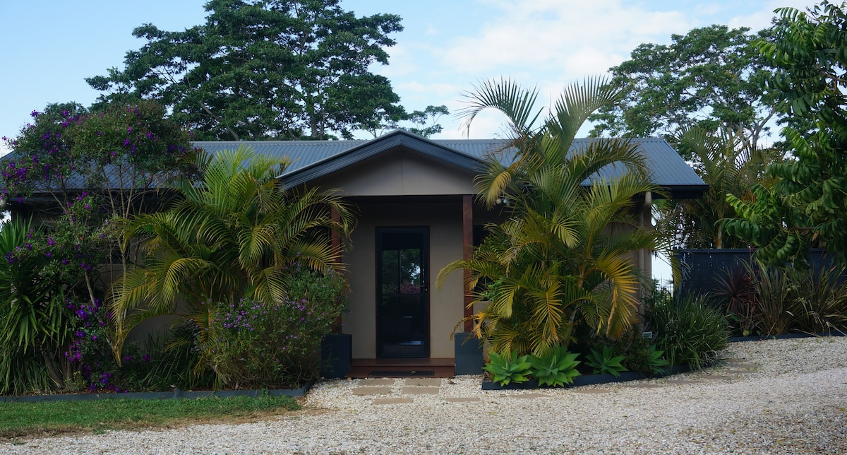 Mullum Hills, fully self contained.
