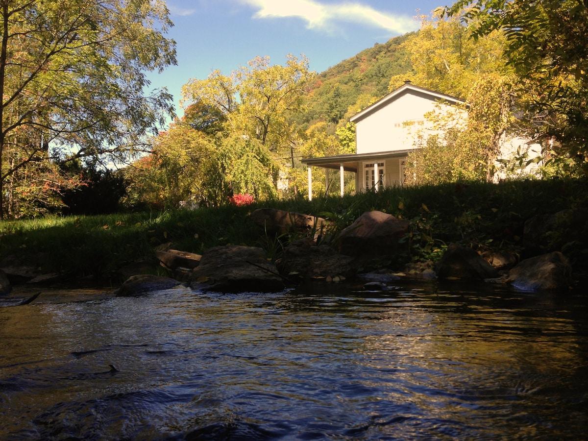 Warm Springs Cottage