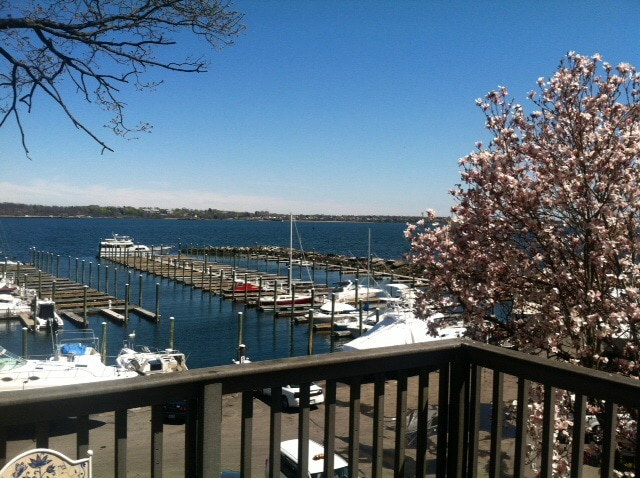 WATERFRONT HOME, 3 mi to Providence