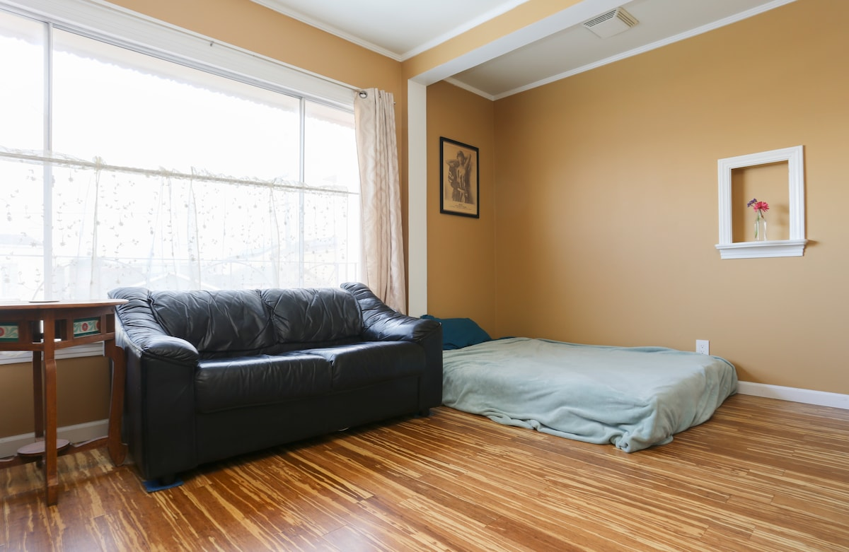 Cozy Weekend 2 bedroom Deal