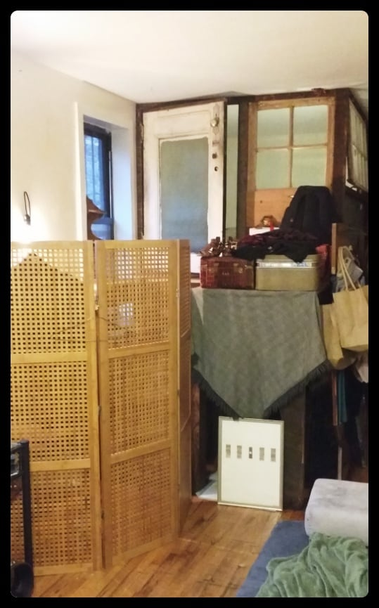Luggage platform will be clear for your arrival, this photo shows it in use from guest