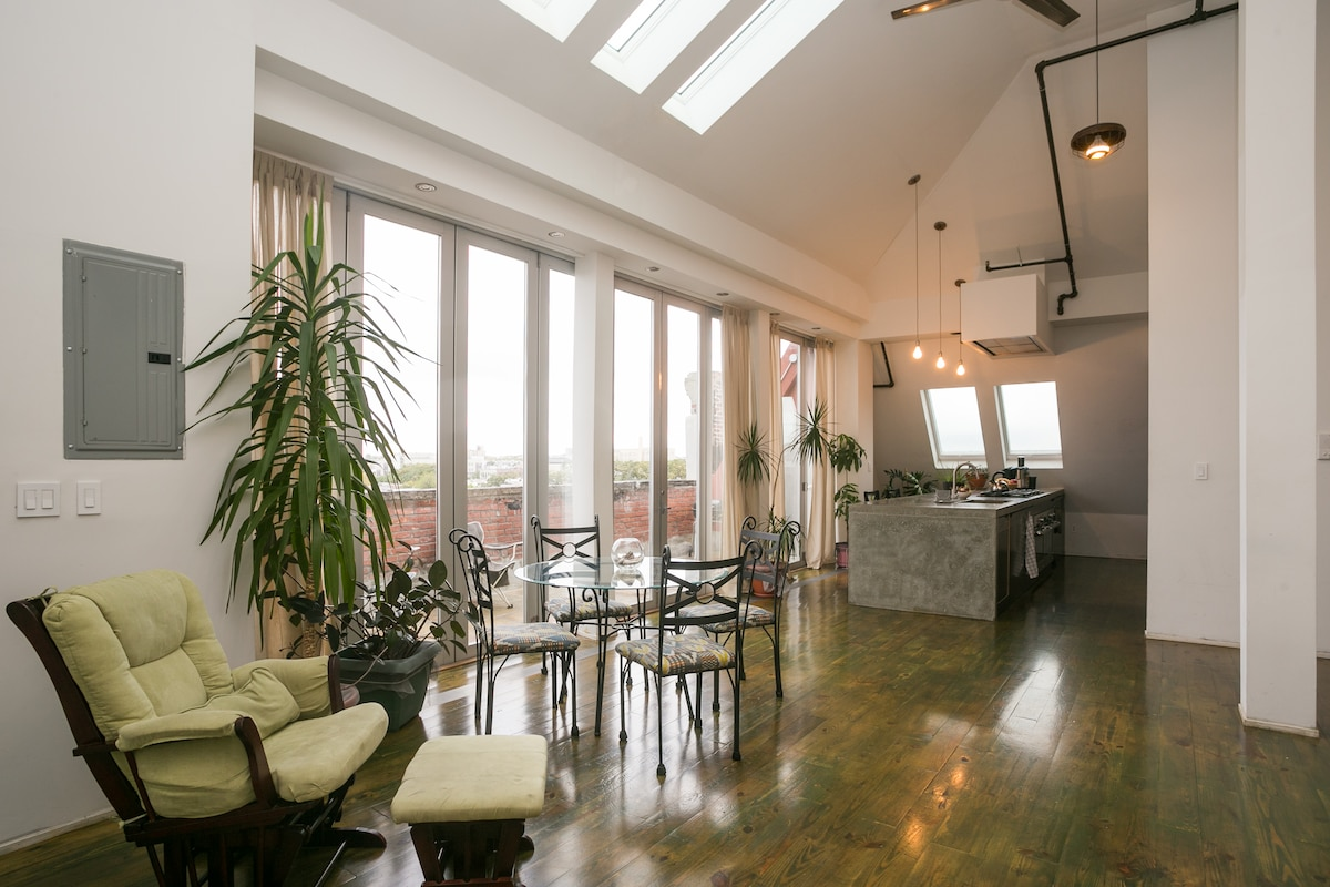 Beautiful 2-bedroom with  terrace