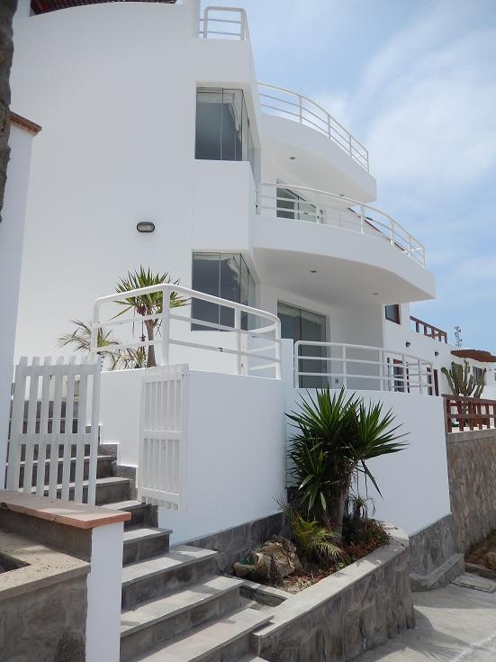 Beach House Puerto Fiel-Lima