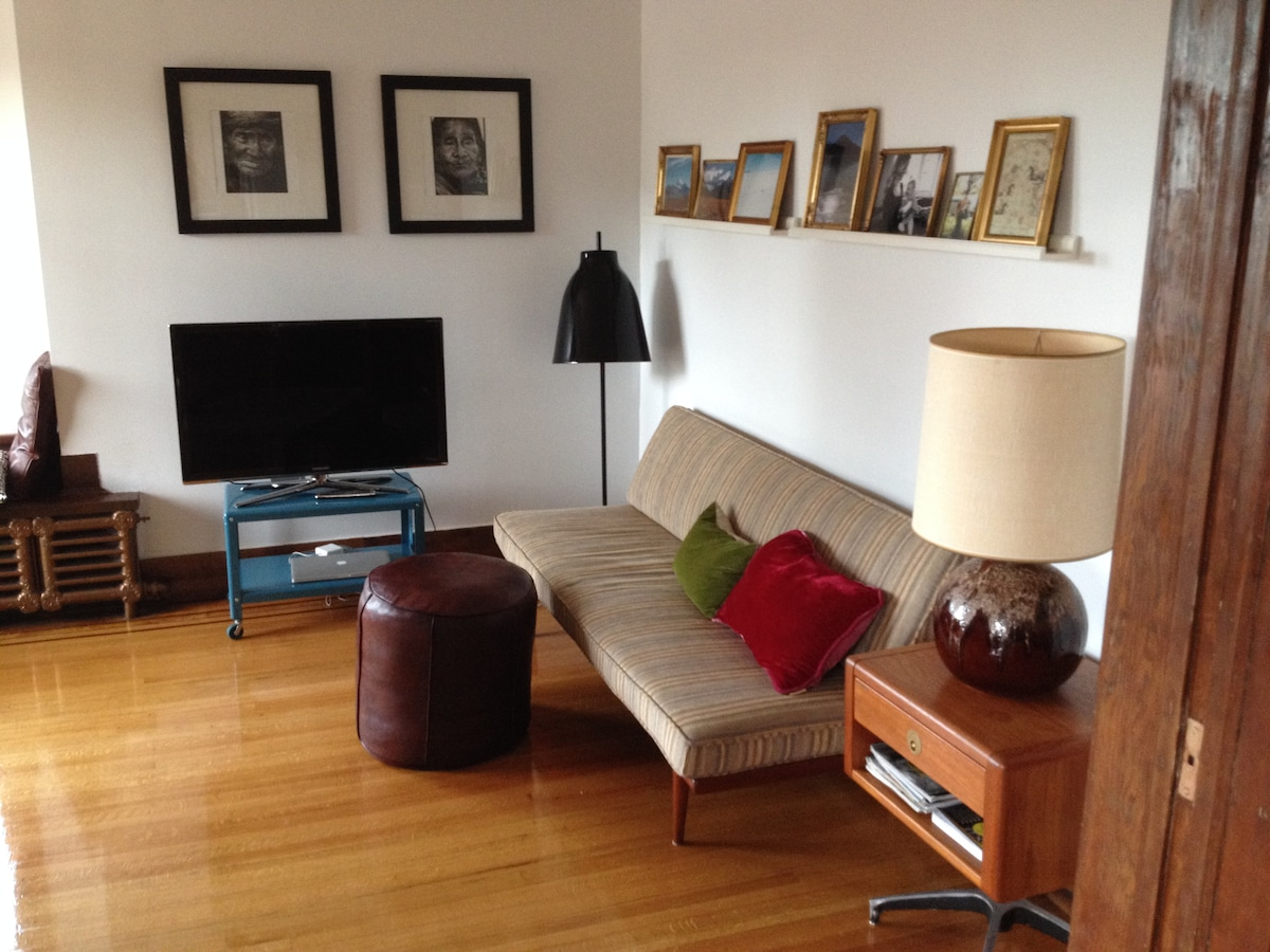 Great Kitsilano 2BR with Seaview