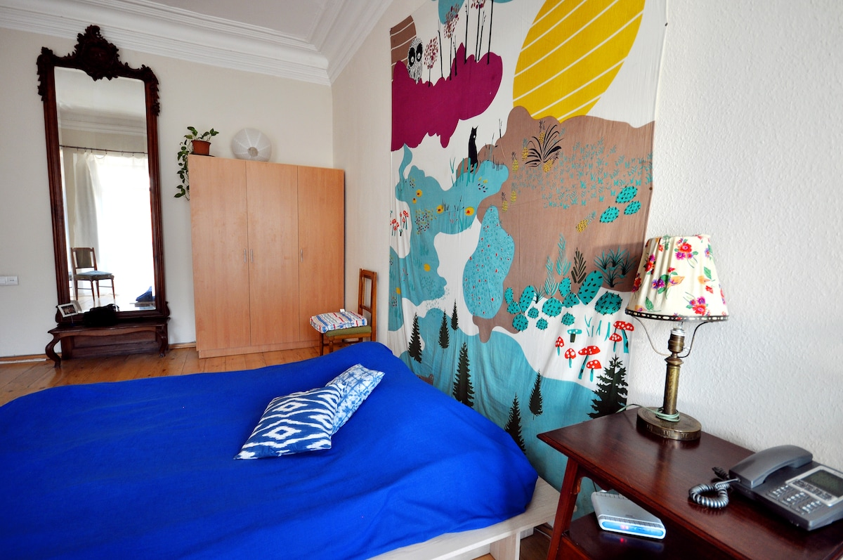 in the bedroom there is one double bed and folding bed available
