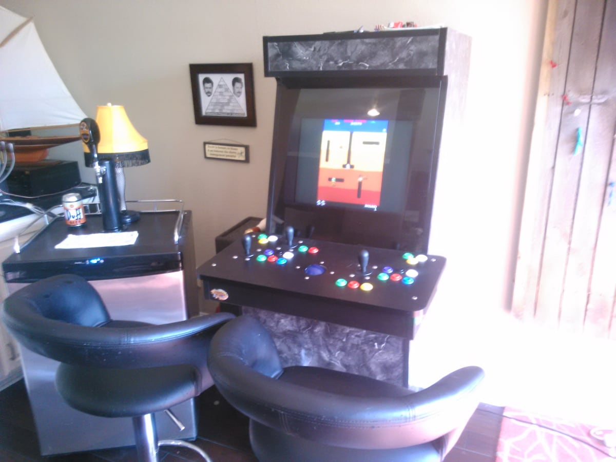 Free arcade system in action. 1000's of games from 1980 to 2000